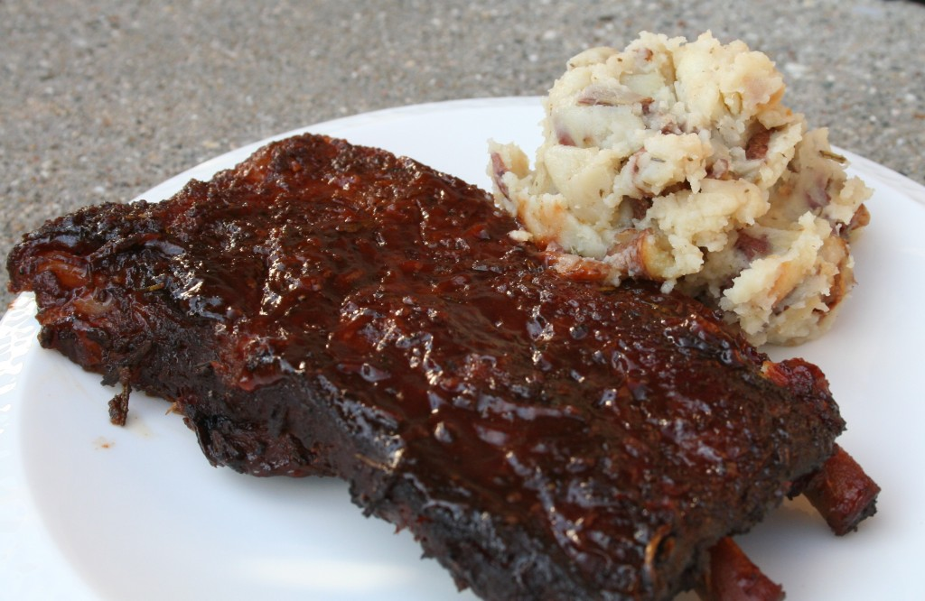 Ribs with Garlic and Rosemary Mashed Potatoes