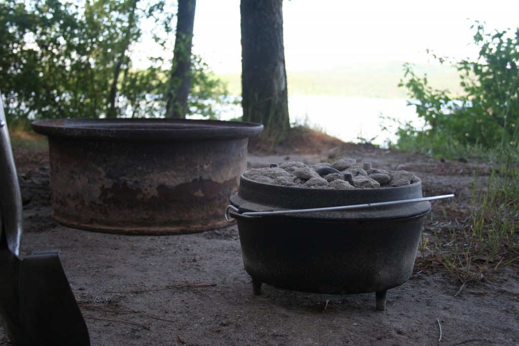 Dutch oven with coals